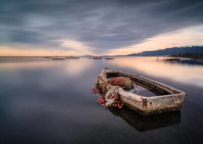 Barca de pesca encallada en el Delta del Ebro